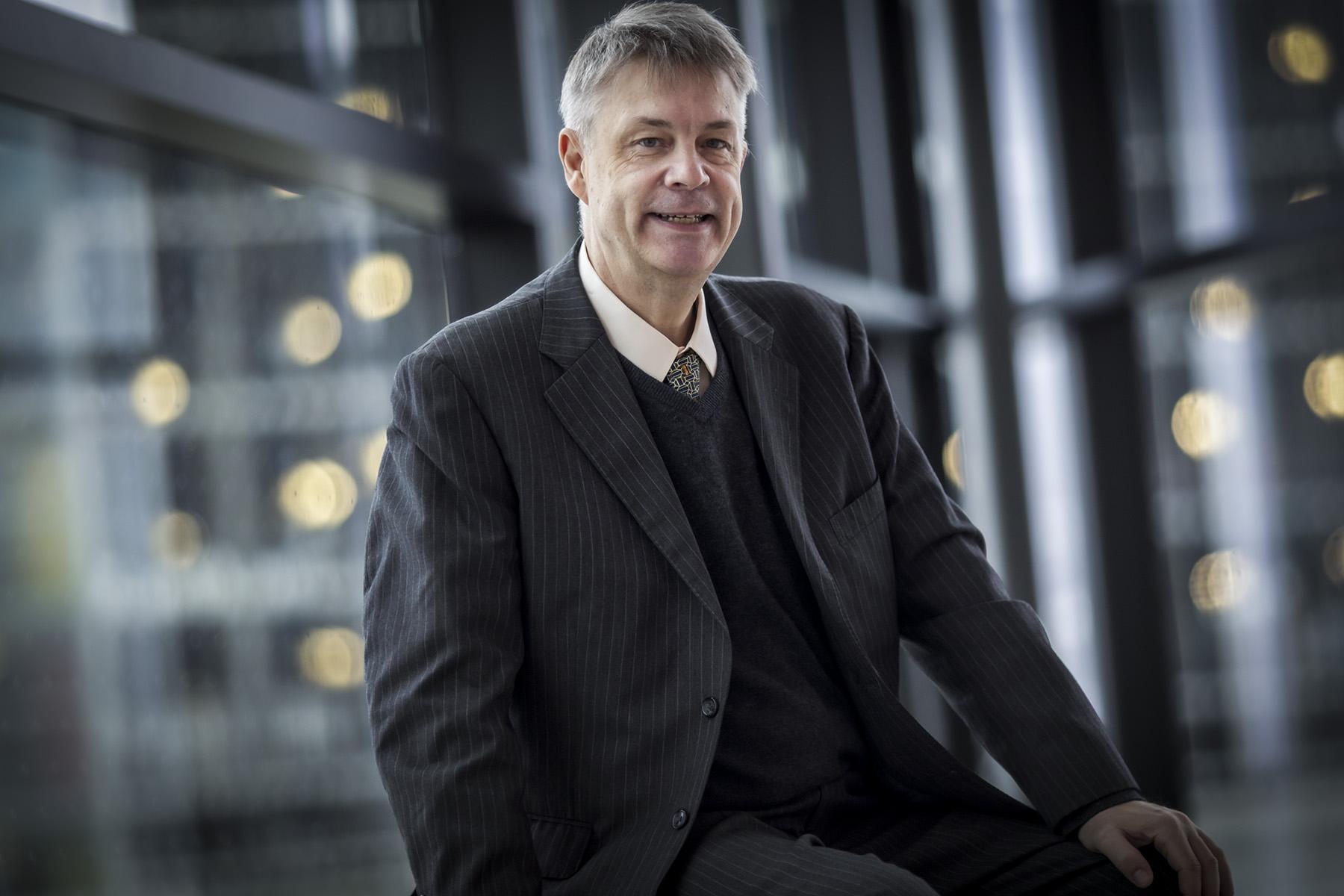 Dr. Olivier Urbain