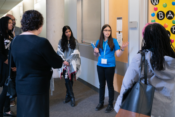UofGH student leads a campus tour
